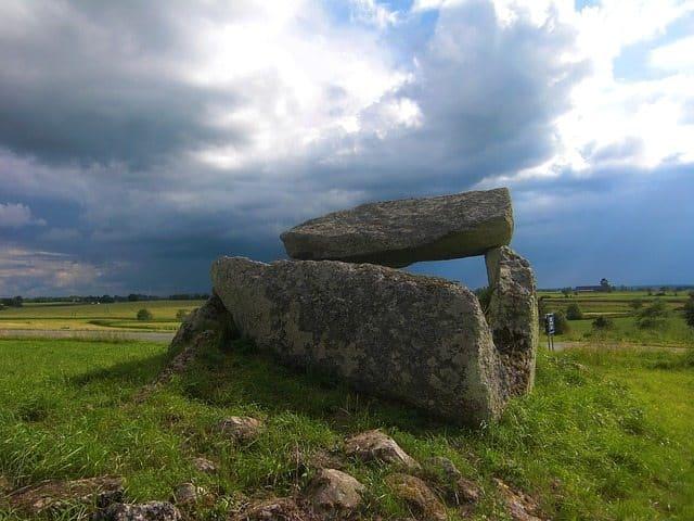 neolitisk grav