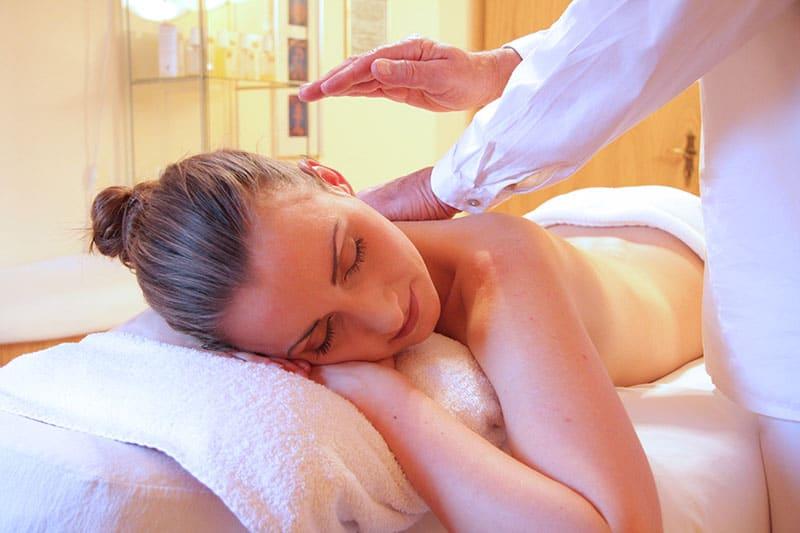 Ett SPA i centrala Stockholm där bruden lyxar till det med massage