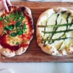 Italiensk pizza färdig att äta