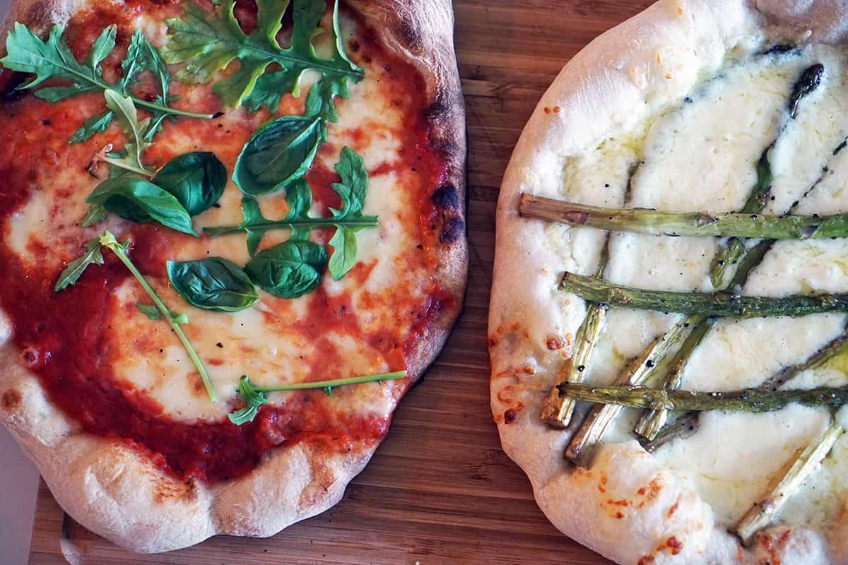 Italienska pizzor ena vanlig andra bianco